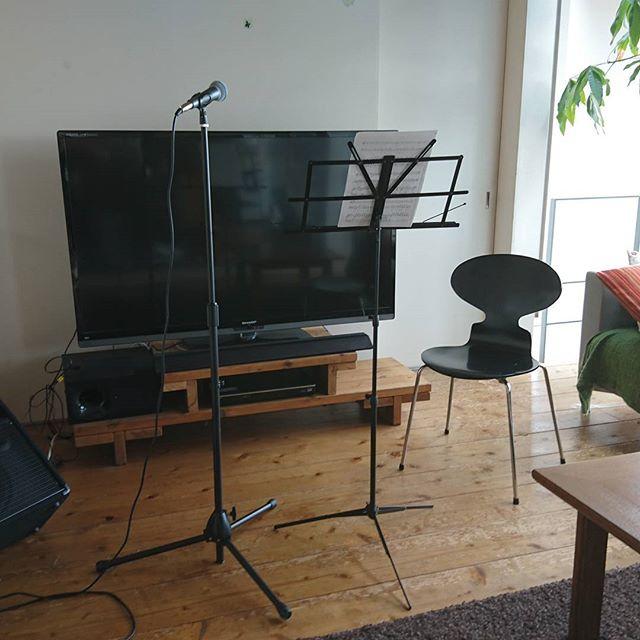 老人施設訪問をしているメンバーで、ホームコンサートパーティを開きました