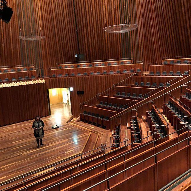 2019年2月9日のネリ・コイチェバ コントラルトリサイタルの下見に兵庫県立芸術文化センターへ行きました。
