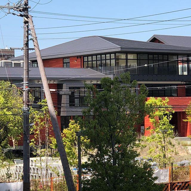 あの事件の建物が母校のすぐ隣とはね。