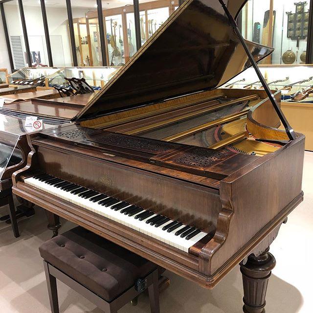 母校で大切にされてピカピカの平行弦エラールピアノ。只々感謝。